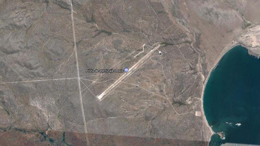 L'aéroport privé de Joe Lewis vu sur Google Maps