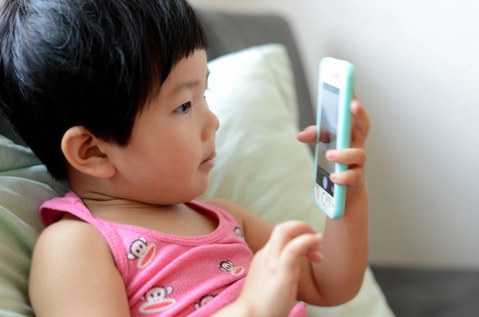 China se mueve para proteger a la infancia de los móviles