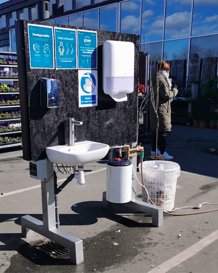 Danish Supermarket Has A Hand-Washing Station Set Up Outside For Shoppers