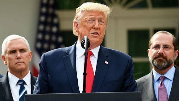 Les Américains approuvent massivement la gestion Trump du coronavirus : tests massifs, feu vert au traitement du professeur Raoult