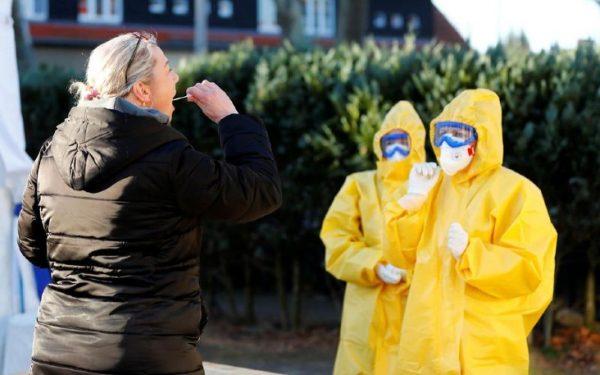 Coronavirus : l'Allemagne effectue désormais 500 000 tests par semaine alors que la France est en pénurie...