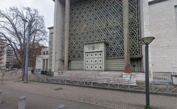 «Enculés de juifs, on va tous vous crever !» : un migrant clandestin crache des insultes antisémites devant la synagogue de Strasbourg