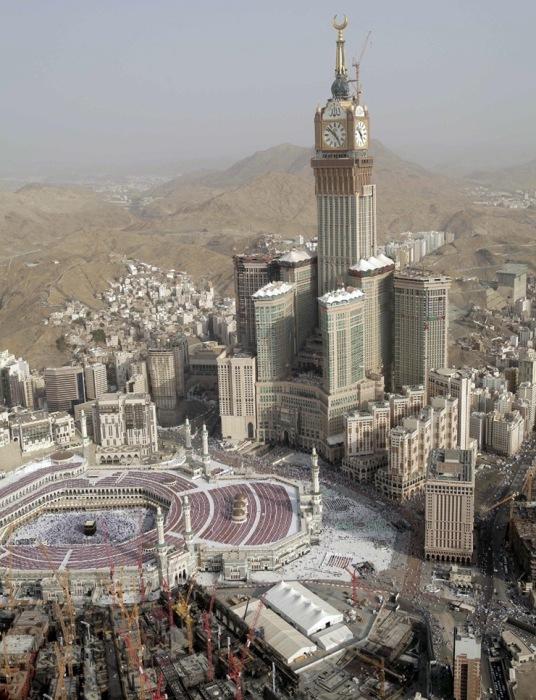 Королевская башня комплекса Абрадж аль-Бейт, Мекка, Саудовская Аравия