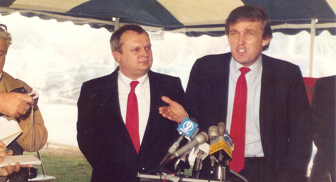 Mùa đông năm 1987, Trump, 41 tuổi, đáp trực thăng xuống tòa nhà thành phố New Hamsphire và thực hiện một bài phát biểu hùng hồn trước công chúng về việc Mỹ đang thua thiệt các nước khác như thế nào. Nghe thật quen thuộc phải không?