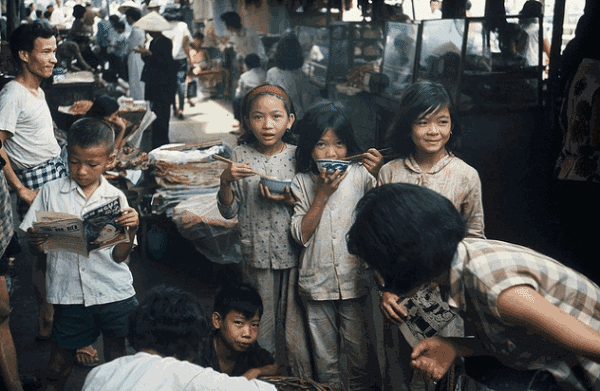 Là người Sài Gòn từ thuở bào thai rồi, cần gì xin nhập tịch!