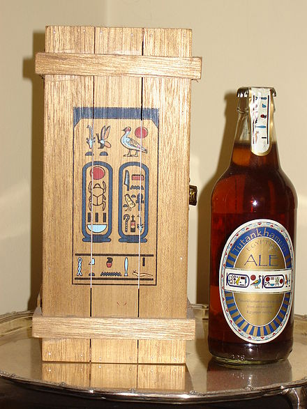 Một bản sao của bia Ai Cập cổ đại, được làm từ lúa mì emmer, sản phẩm của hãng Courage vào năm 1996
