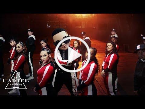 Daddy Yankee & Snow - Con Calma (Video Oficial)
