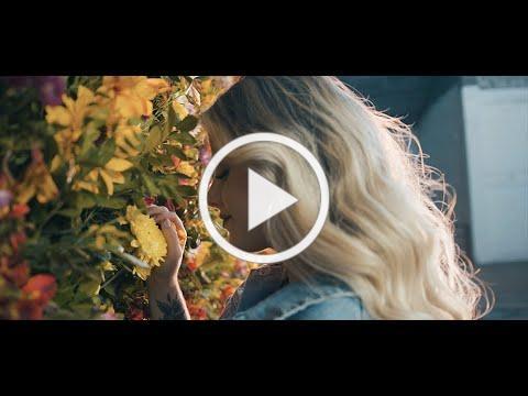 Nikki Mackliff - Enamorada de Ti (Video Oficial)