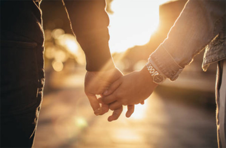 holding-hands-450px-opt.jpg