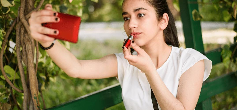 Sexting e sovraesposizione online del corpo degli adolescenti