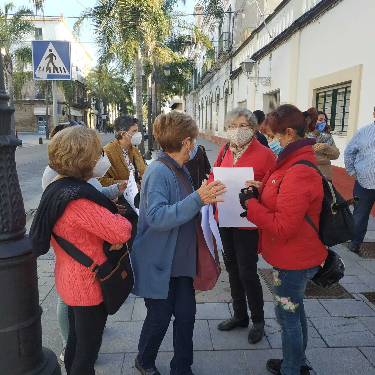 https://www.diariodecadiz.es/2020/11/20/noticias-provincia-cadiz/concentracion-carteles-Escuela-Infantil-Municipal_1521458194_128348963_1200x1203.jpg
