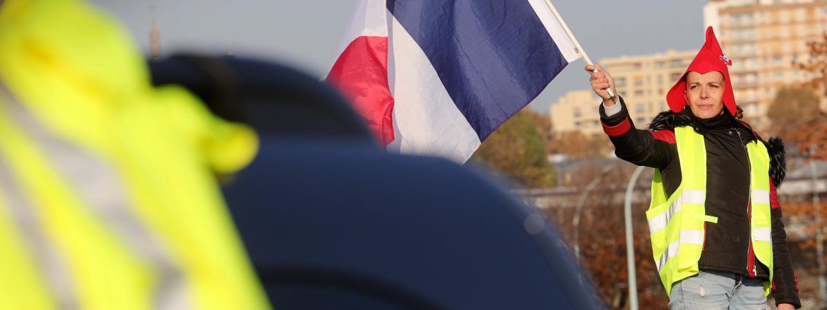 """Une \""""gilet         jaune\"""" lors d\'une manifestation à Paris, le 17 novembre         2018."""