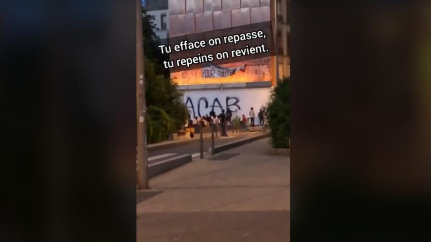 """Lyon : l'ultra-gauche revient inscrire """"ACAB"""" sur sa fresque repeinte par la mairie (MàJ)"""