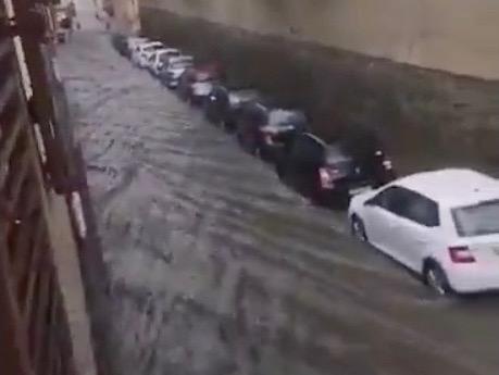 Des rues d'Oullins sont inondées - LyonMag