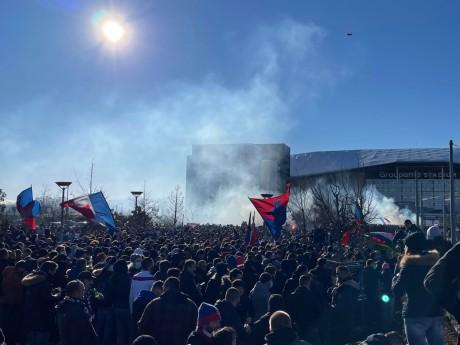 Les supporters ce dimanche à Décines - LyonMag
