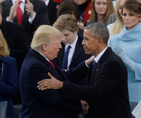 barack obama shakes donald trumps hand at inauguration