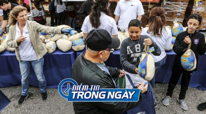 Video Doanh gia Florida cung cấp miễn phí 20 ngàn bữa ăn ngày Thanksgiving