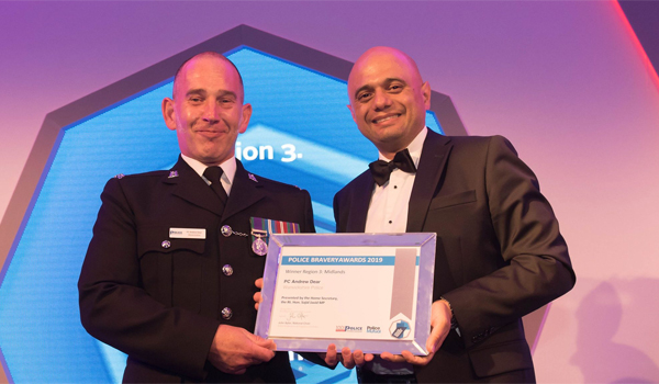 Police Bravery. This is what we mean Mail?url=https%3A%2F%2Fwww.policeprofessional.com%2Fwp-content%2Fuploads%2F2019%2F07%2FNational-winner-Andy-Dear-with-Home-Secretary-1