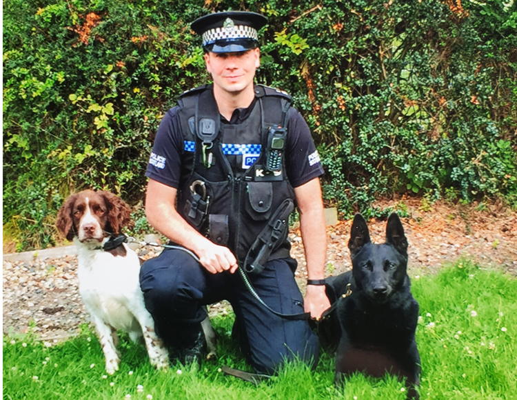 Those incredibly 'unreliable' DOGS............again! - Page 9 Mail?url=https%3A%2F%2Fwww.policeprofessional.com%2Fwp-content%2Fuploads%2F2019%2F07%2FPC-Paul-ODonnell-with-his-pet-spaniel-Nitro-and-PD-Remo.jpg&t=1563031539&ymreqid=766b6d4b-751f-0d6a-2f65-100165010000&sig=3FlU3cs.c9lRXj_ni..