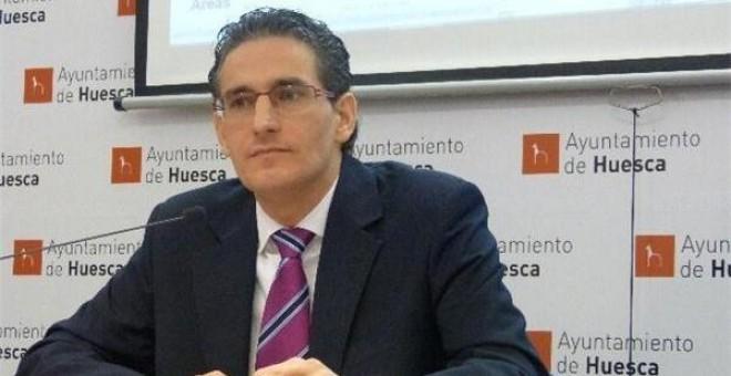 El exconcejal del PP de Huesca Luis Irzo, condenado a cinco años de prisión por maltratar a toda su familia.