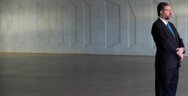 05/09/2019.- El canciller brasileño, Ernesto Araujo, espera la llegada de su homólogo de Chile, Teodoro Ribera, en Brasil. / EFE