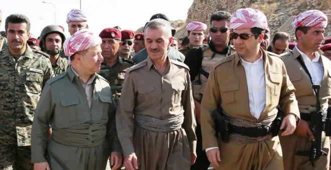 El exlíder del Kurdistán iraquí Masoud Barzani y su hijo, actual primer ministro y anterior responsable de seguridad de la región, Masrour Barzani, en una imagen de 2014.
