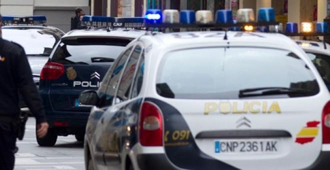 Agentes de la Policía Nacional han liberado en Huelva a una chica de 16 años que fue vendida por sus padres - EFE