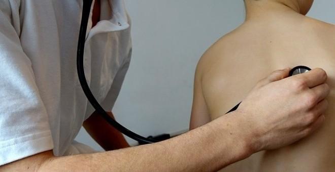 Diez años de cárcel a médico español por abusos sexuales a menores en Suecia. Pixabay