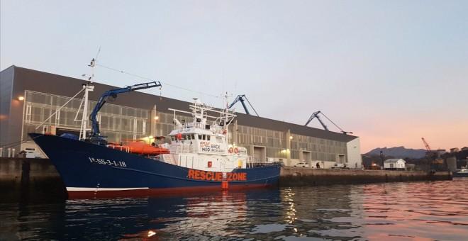 El barco Aita Mari, de la ONG Salvamento Maritímo Humanitario, amarrado en el puerto de Pasaia, Guipúzcoa-. SMH