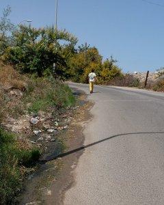 Aguas residuales en los alrededores del centro La Purísima de Melilla.- JOSÉ PALAZÓN